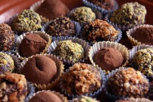 Шоколадные трюфели с разной посыпкой
