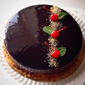 Глянцевая шоколадная глазурь из темного шоколада