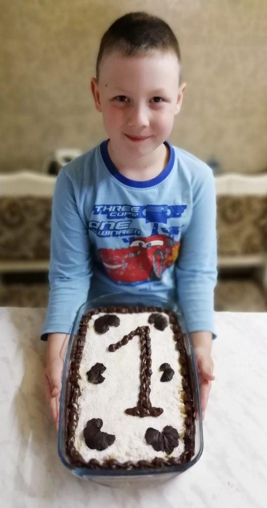 Домашний торт Пломбир с шоколадным украшением